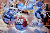"""Сыктывкарские мастерицы обучают горожан созданию """"новогодней сказки"""""""